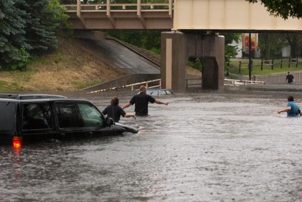Crystal-MN-Roads-Flooding-Jun-25-2010-08