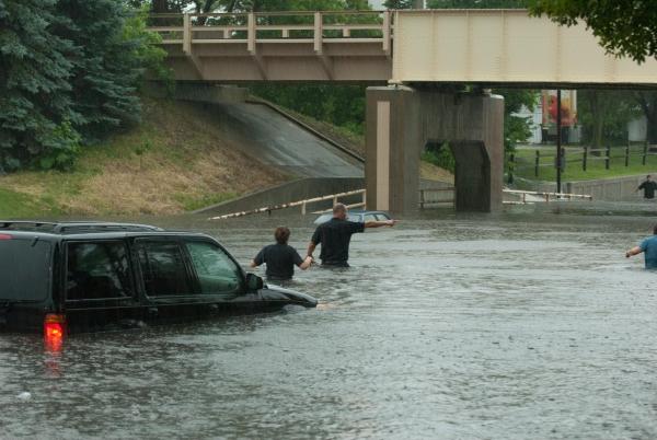 Crystal-MN-Roads-Flooding-Jun-25-2010-09