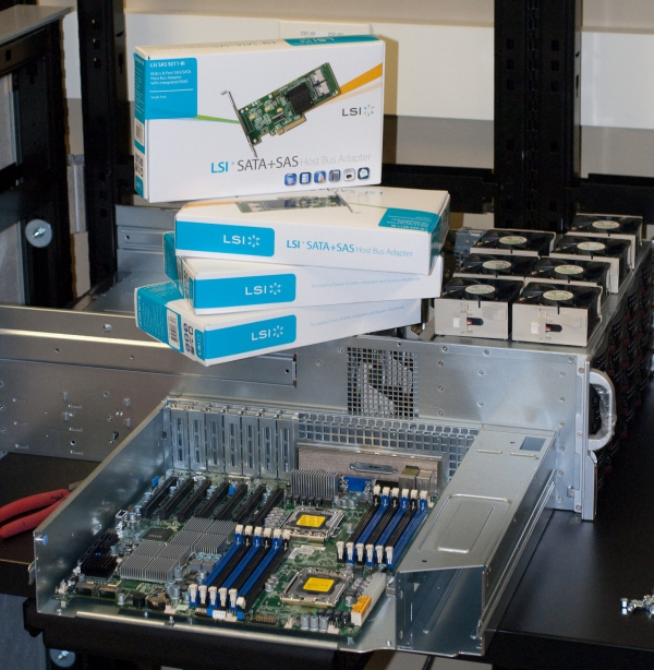supermicro-sc847a-r1400lpb-motherboard-installed-lsi-controllers-boxed