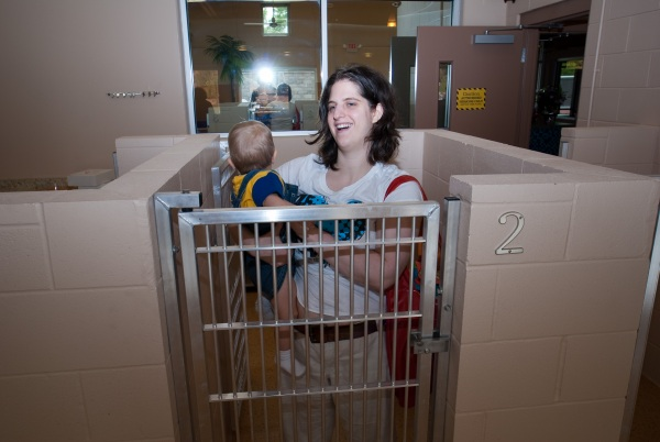 Tiff and Kai trying out the feeding kennel